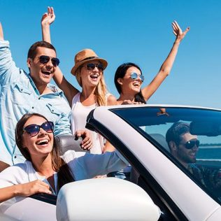 THE BENEFITS OF DRIVING A RENTAL CAR IN DUBAI