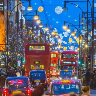 HOW TO SPEND CHRISTMAS IN THE UK
