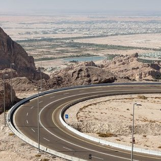 DRIVE DOWN TO JEBEL HAFEET AND EXPLORE ITS BEAUTY