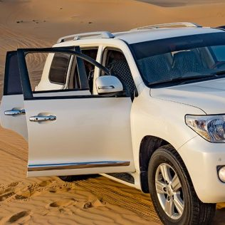 EXPLORE THE BEST OF DUBAI AND SHARJAH BY CAR
