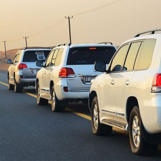 GETTING AROUND THE UAE BY CAR