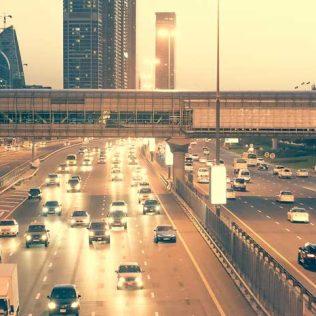 7 ESSENTIALS FOR THE DAILY DUBAI TO ABU DHABI COMMUTE
